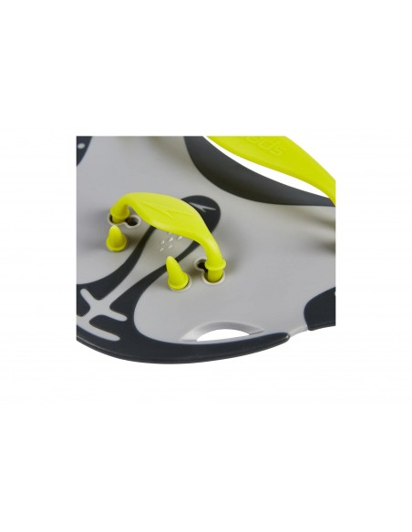 Zoom of Speedo Biofuse Finger Paddle