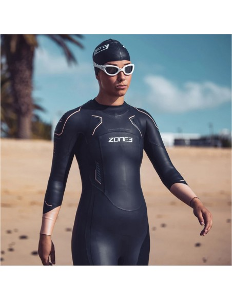 Swimmer witha Zone3 Women's Vision 2021 wet suit