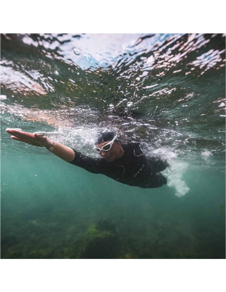 Swimmer into the water with Zone3 Women's Vision 2021 wet suit