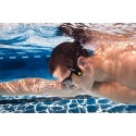 Atleta indossa lettore mp3 FINIS Neptune